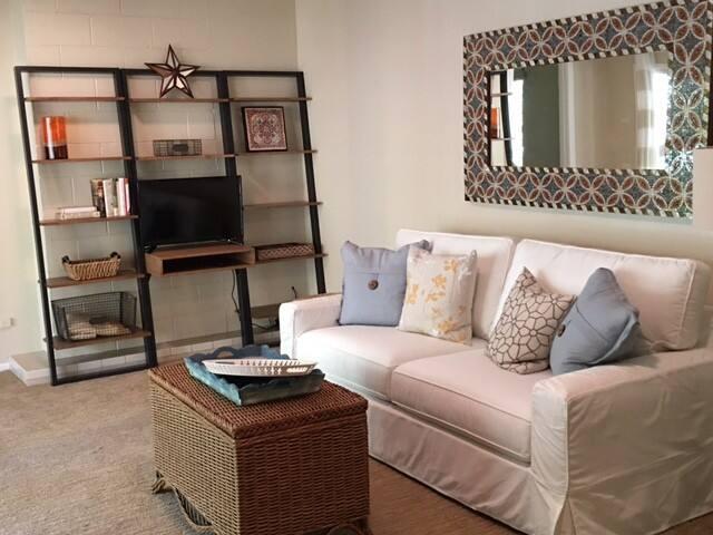 San Francisco Peninsula Retreat-Like Guest House