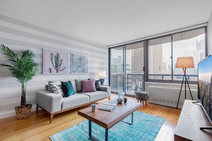 Modern 1BR near Times Square w/ Indoor pool + Gym by Blueground