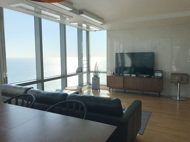 Haeundae MoontanRoad/Private cozy room/Ocean view - Haeundae-gu - Leilighet