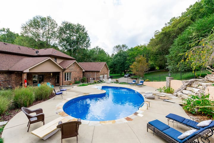 Secluded 4BR w/ Private Pool