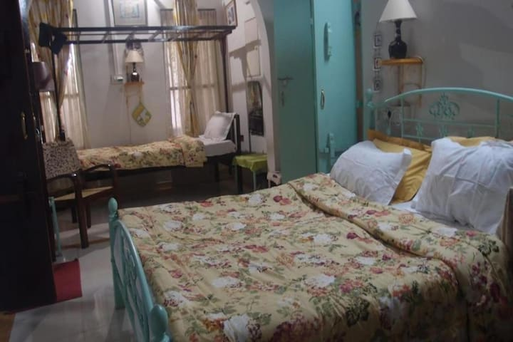 Triple Room with Breakfast @ Sadanand House