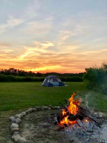 Tent for 4. Come camp in the Grand River Valley!
