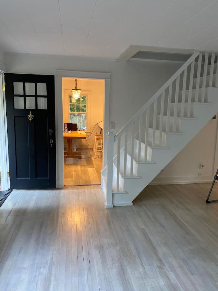North Fork Wine Country Cottage Heart of Mattituck