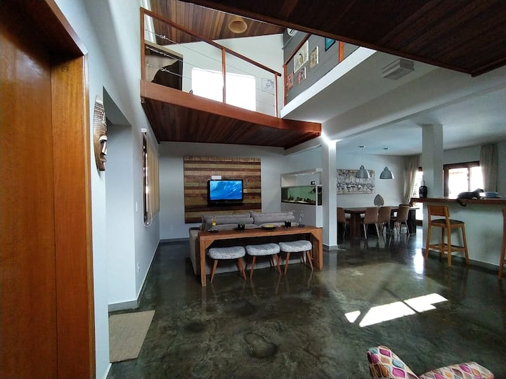 Comfortable house in Ubatuba at safe condominum