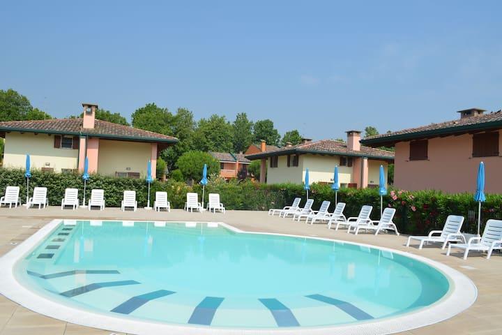 Gemütliche Ferienwohnung in Lido delle Nazioni mit Pool
