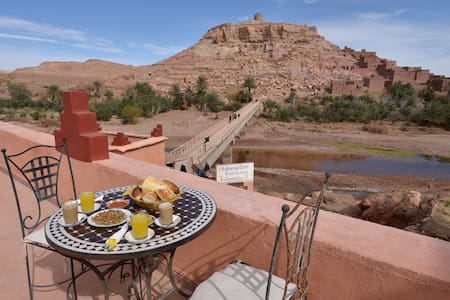 Family room for 4 with Breakfast - Aït Ben Haddou - Oda + Kahvaltı