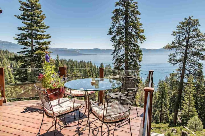 Luxury for two in Tahoe City - Panoramic Lake View