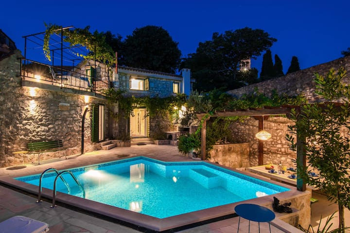 Stone house ETERNITY with pool