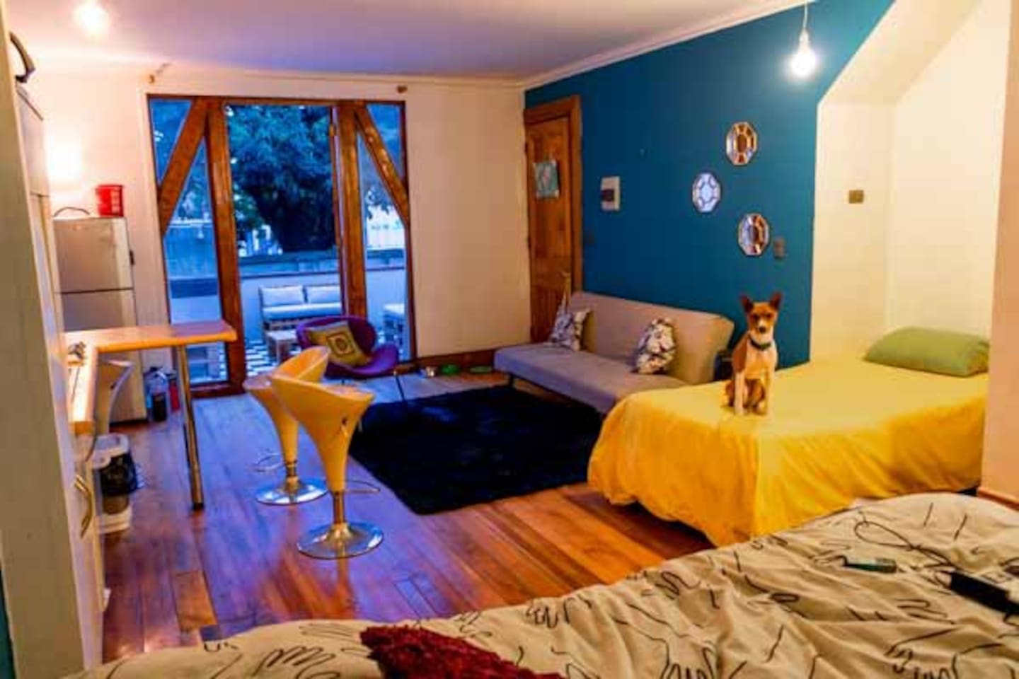 "This little but comfortable space is in the middle of ""Cerro Alegre"" the most colorful site in valparaiso, near restaurants and art stores. the place is pet friendly"