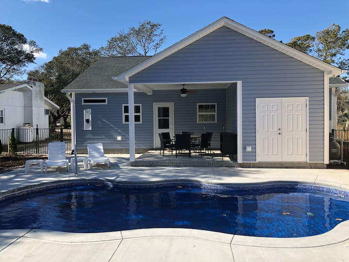 NEW House with a Pool, walk to the beach and pier