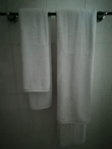 Service serviettes de toilettes
