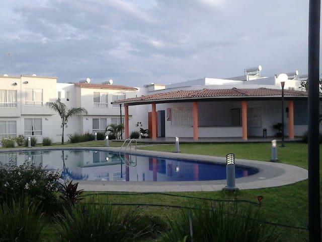 Casa de fin de semana en Cuatla - Cuautla - Huis