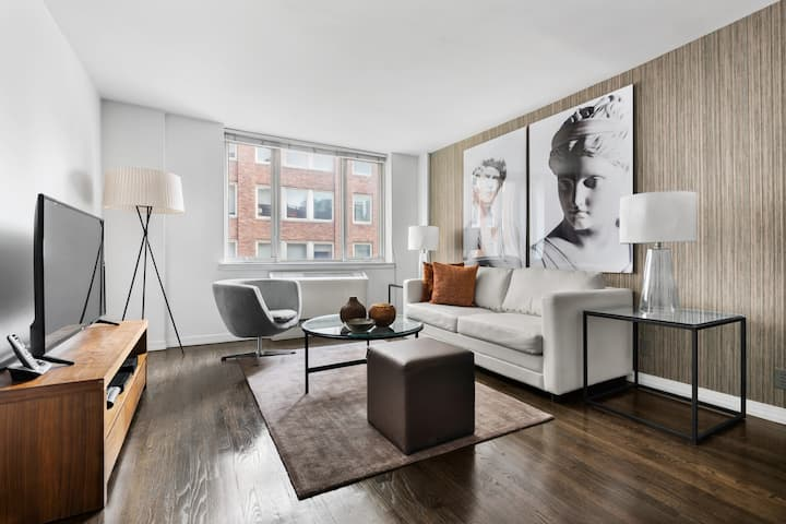 Live Like a New Yorker in Lenox Hill, Upper East Side