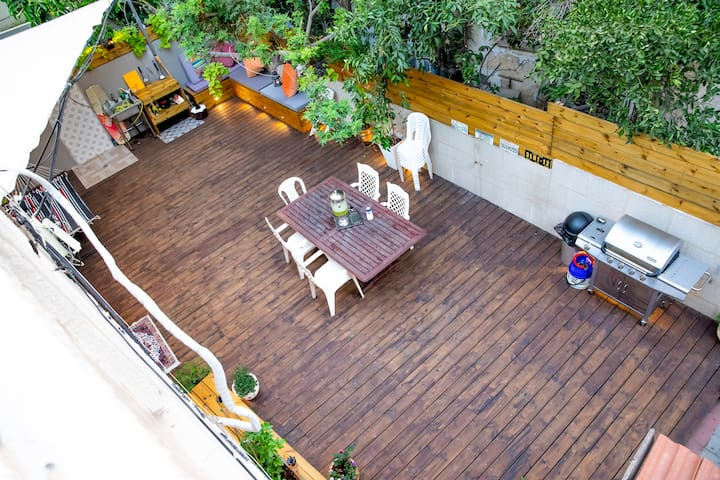 Amazing house 3min walk from the beach -Shared -