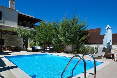 Olive Villa, Sgourokefali Crete - Sgourokefali - วิลล่า