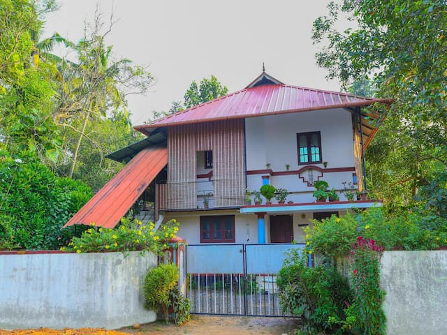 OYO - Modern 1BR Homestay, Mararikkulam-Discounted!