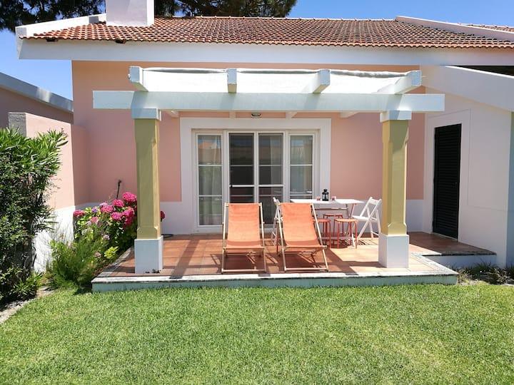 Family & Friends House  Great Location near beach