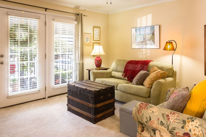 Cozy Condo in a Great Location - Raleigh - Wohnung