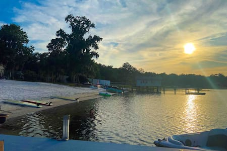 Private clear water lake - 39 ft RV 2 Bed/2 Bath