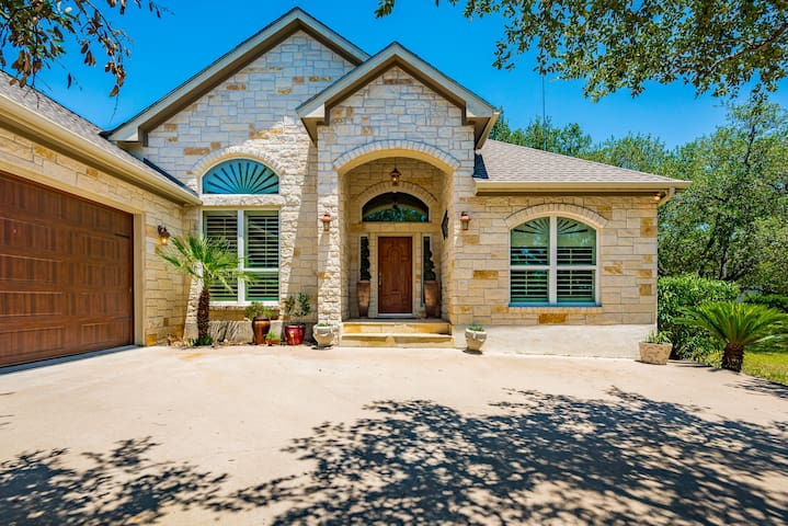 Romantic Wine Country Escape in the Hill Country
