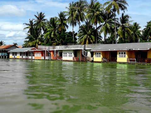 Sala Donekhone Hotel.,Floating Studio
