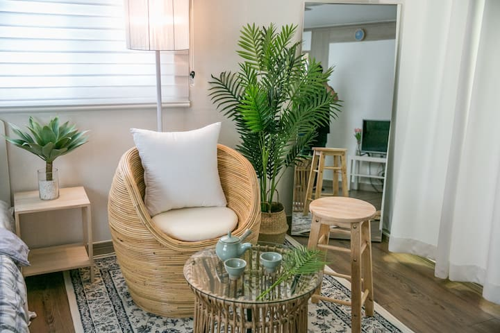 (NEW) J House / Beach 1min / Large &  Private room