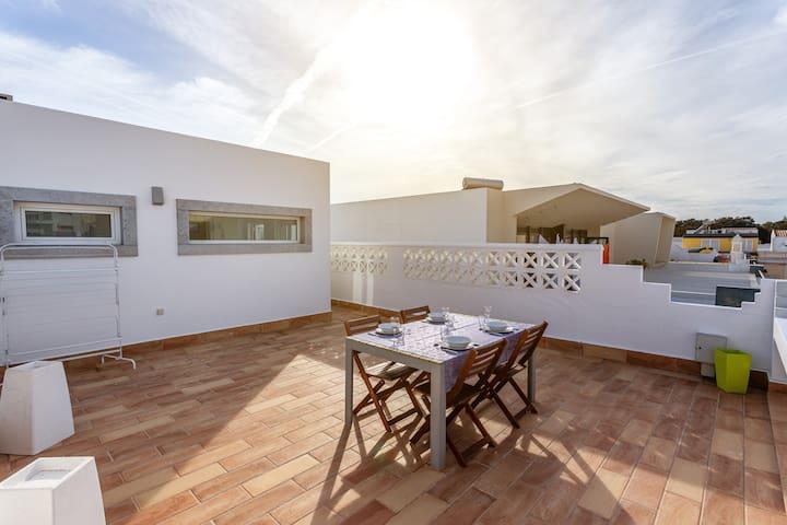 Caya Room! Exclusivity & Prime Location in Faro