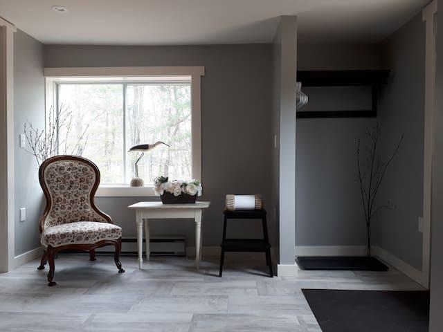 "Hotel suite ""Shanty"" w/ bonus loft bedroom/bath"