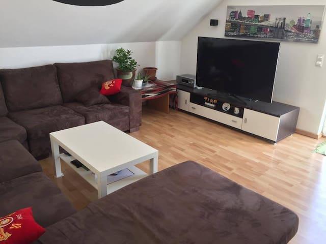 Wohnung in Messe und Stadtnähe Hannover - Hemmingen - Byt