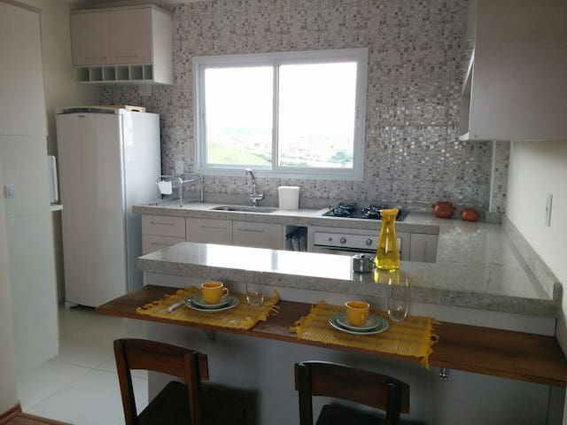 "Little house, a ""feel at home"" apt - Poços de Caldas - Apartamento"