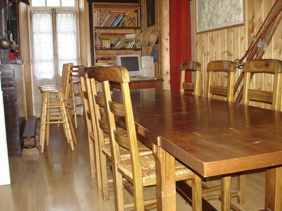 Salle a manger + bar