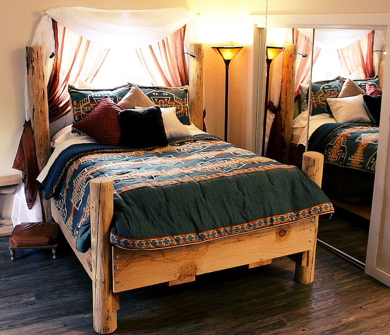 Grand Lodge Pole bed fit for a king and queen