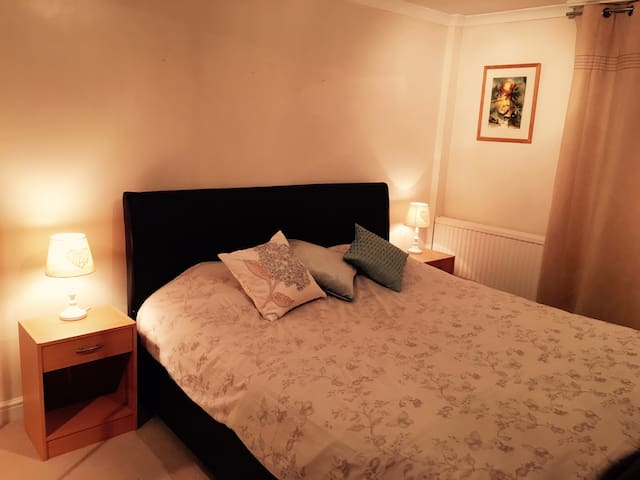 Prime location - 25mins to C.London - Apartamento