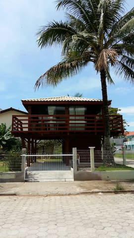 Bungalow com vista para o mar! - Governador Celso Ramos - Bungalow