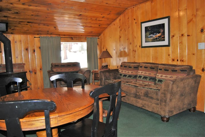 EDELWEISS LODGE ONE BEDROOM DELUXE- SLEEPS 4