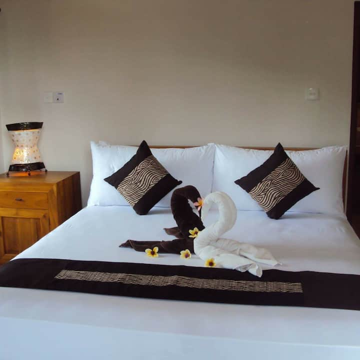 private deluxe room in ubud  centre