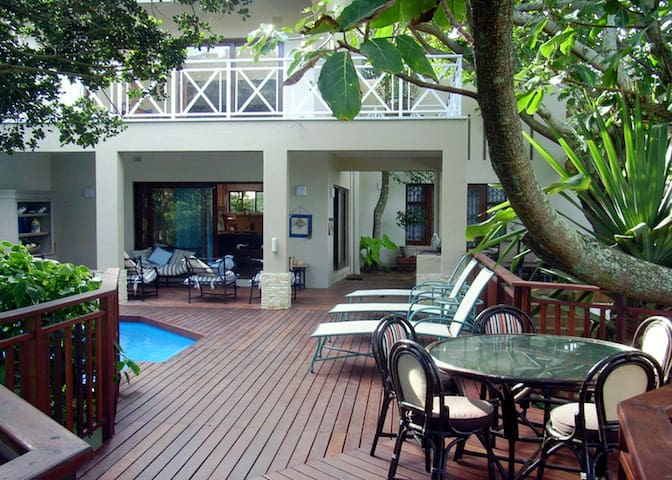 DECK ON SEA, 131 NKWAZI DRIVE, Zinkwazi Beach