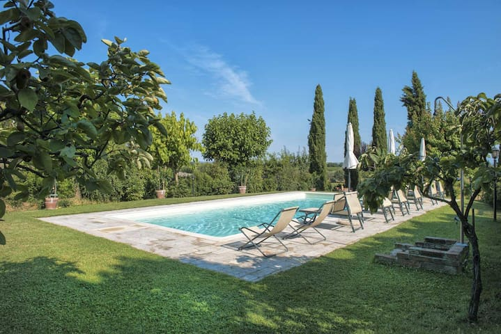 Independent country house with pool,Montepulciano - Abbadia