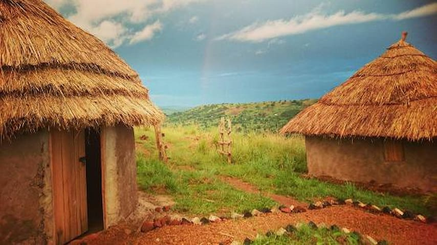 Real Traditional Ugandan Mud Hut - Kampala
