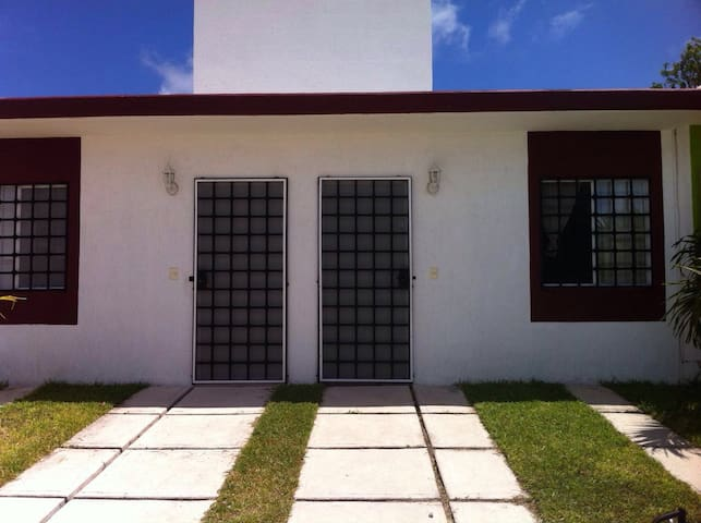 New cozy house in Puerto Morelos - Puerto morelos - Huis