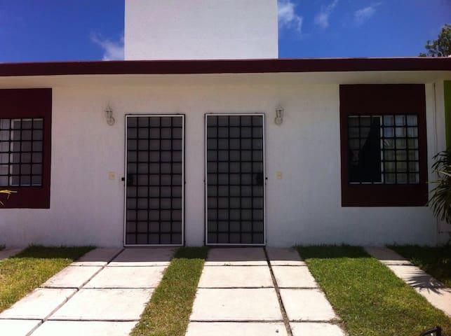 New cozy house in Puerto Morelos - Puerto morelos - Ev