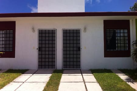 New cozy house in Puerto Morelos - Puerto morelos - Casa