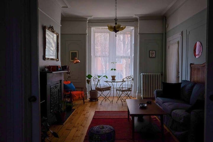Charming Greenpoint's Bedroom