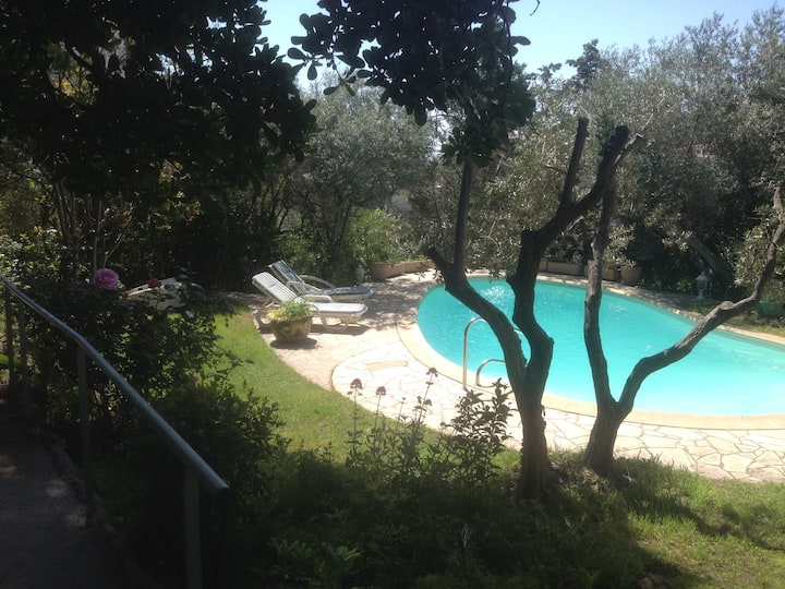 Studio with swimming pool 5 minutes from the sea