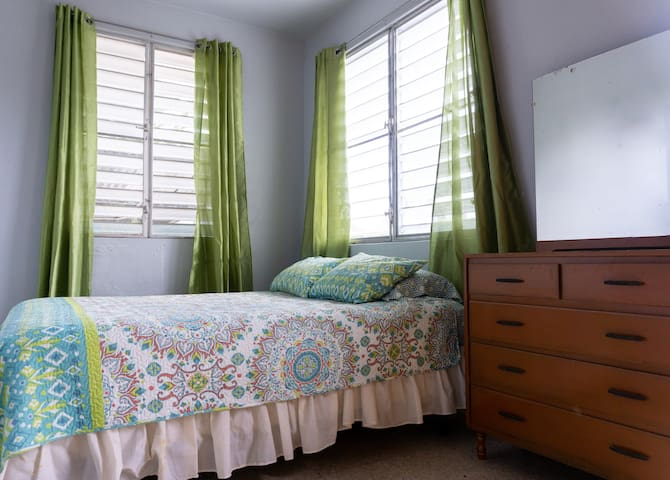 Close to Rincon, private room, affordable!