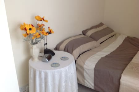 Beautiful single room for rent Chalgrove - Chalgrove - 단독주택