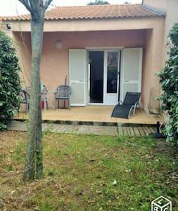 mini villa sur la plage - Borgo