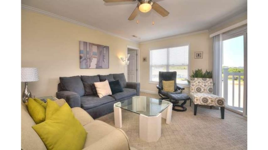 Ocean Walk 5202 Has It All-Pets,POOL,Beach