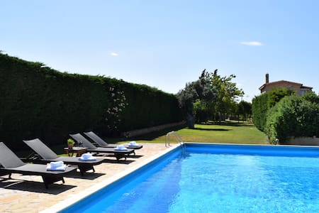 Private Villa Lagonissi with pool