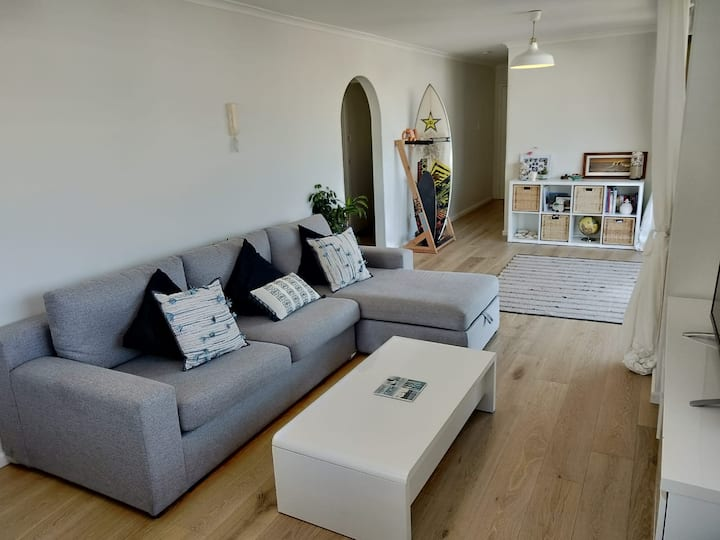 Spacious 1 bedroom beach pad in Manly